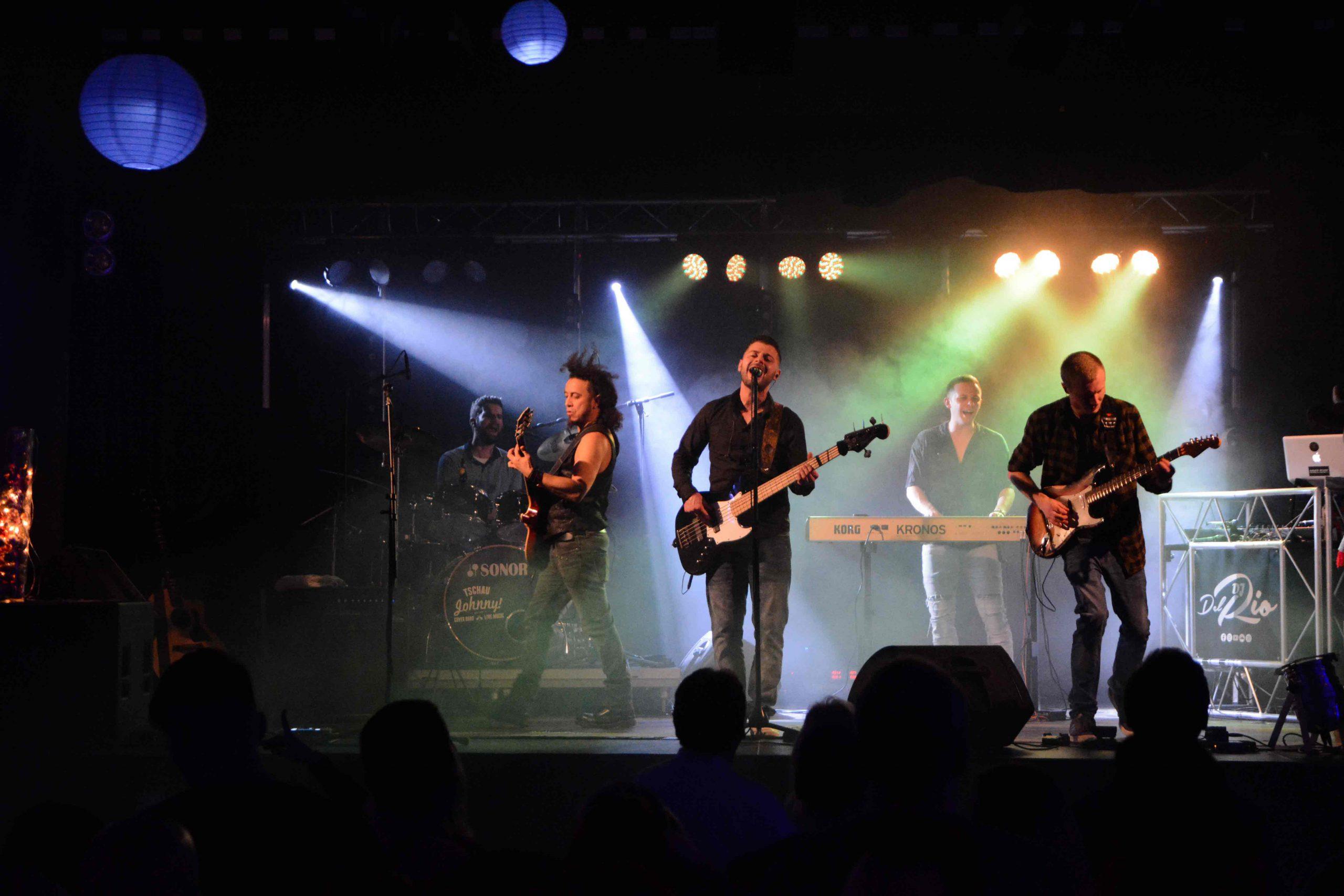 Band-auf-Bühne-2020-#1