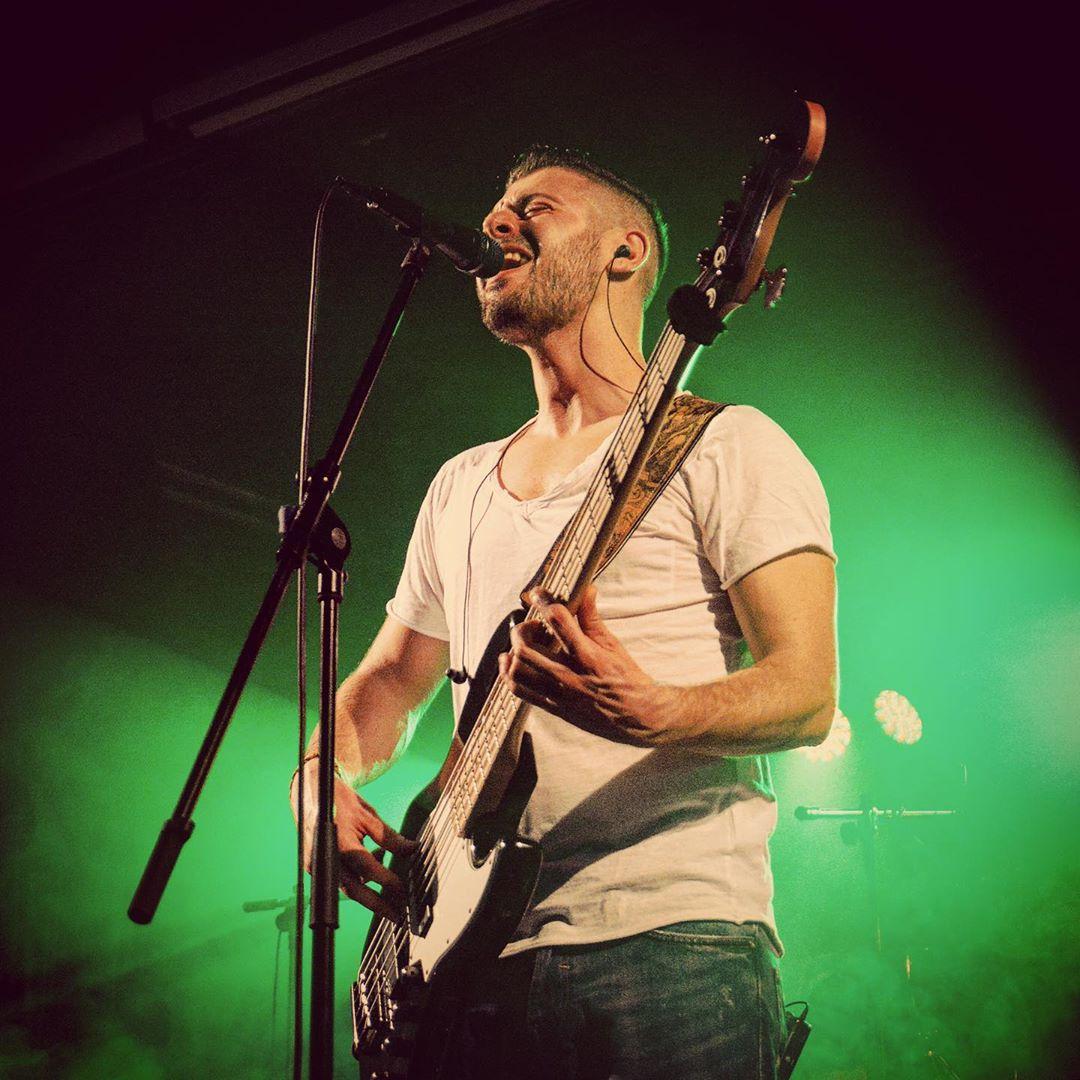 Patrick Almeida – Lead-Gesang & E-Bass